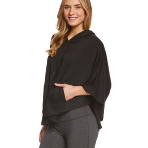 Beyond Yoga Hooded poncho with pockets Black Size small